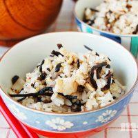 雑穀とひじきの混ぜご飯